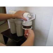Замена картриджей в фильтре воды